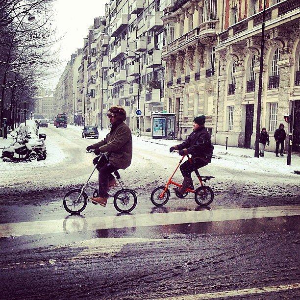 What a bike !! #paris #neige #snow #bike